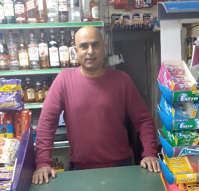 Shopkeeper inundated with customers' acts of kindness during pandemic